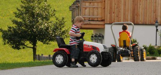 Traktorfahren für die Kleinen